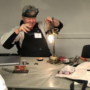 Fixer restoring lamp